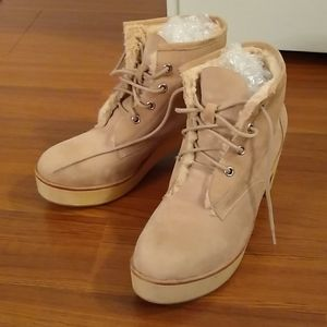 Gorgeous suede boots
